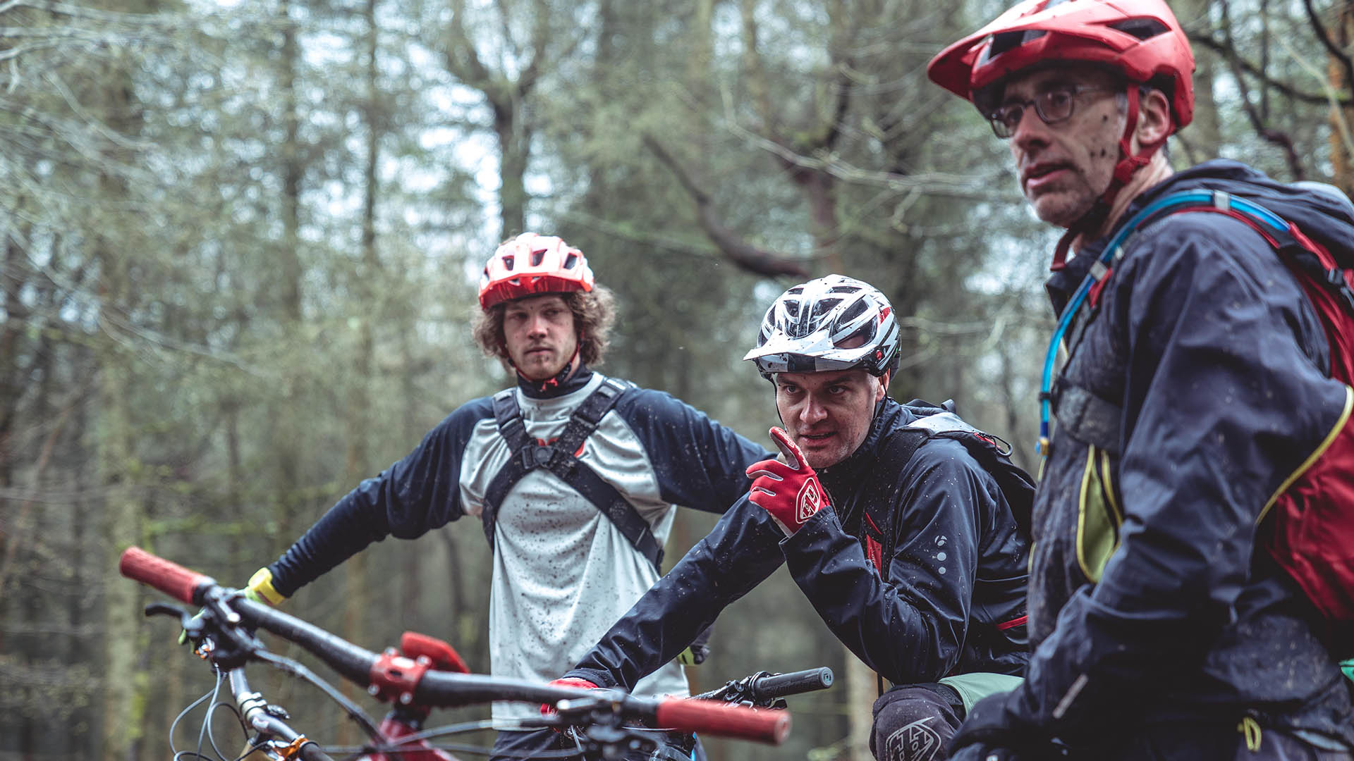 +3 Coach Alan Milway talks about body positioning with riders on a coaching day in the Forest of Dean
