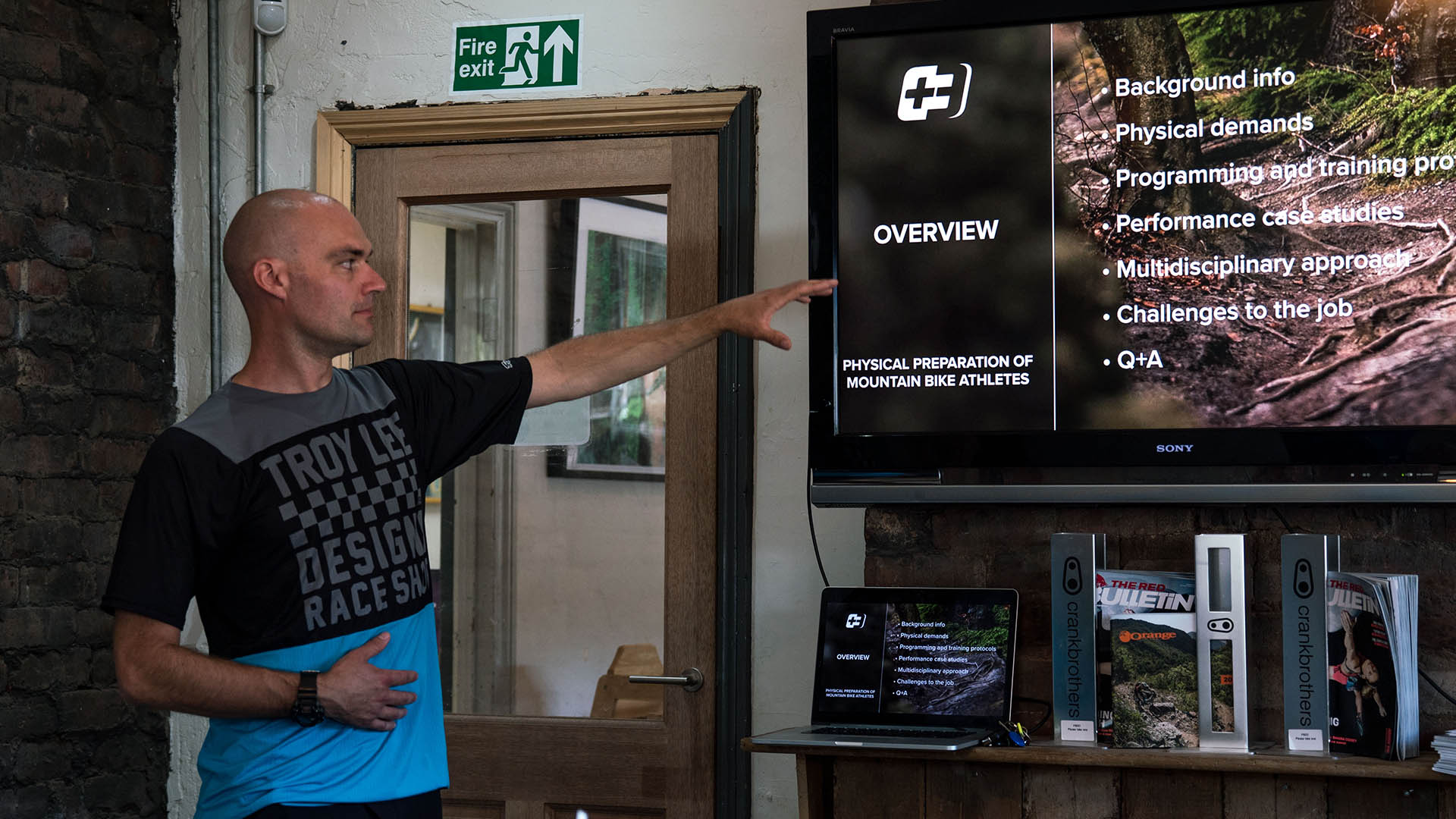 +3 Coach Alan Milway talks to riders about his experience as an elite level coach and how it applies to all riders on a coaching day in the Forest of Dean